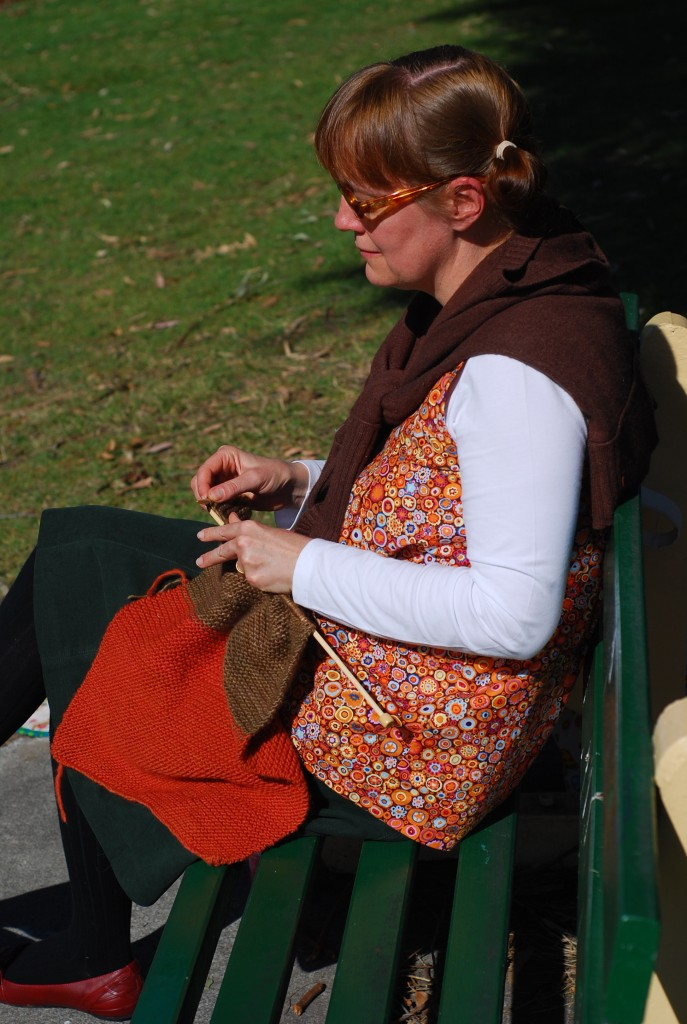 knitting-in-the-sun