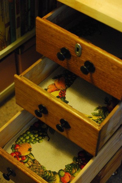 drawers with placemats